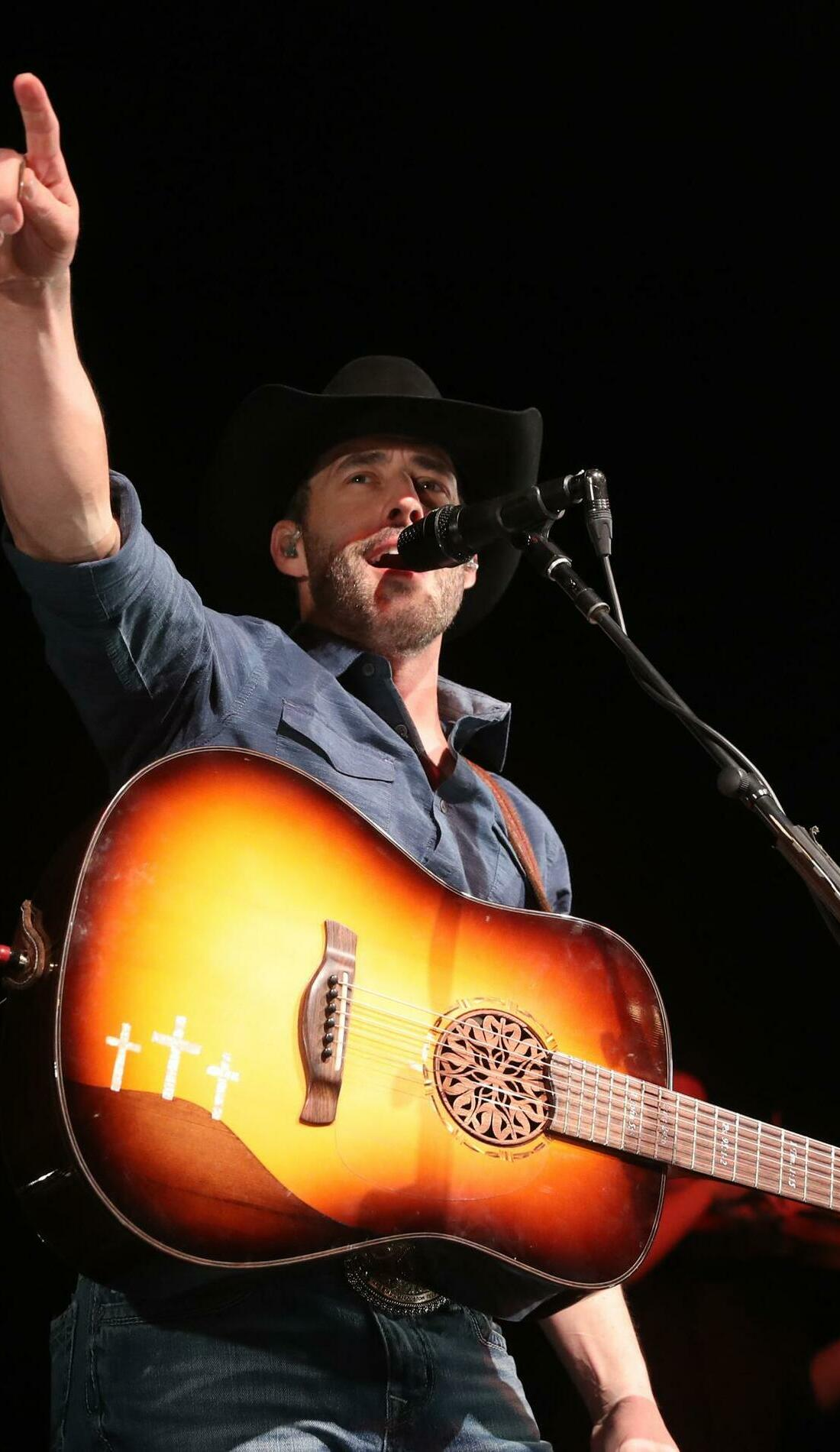 A Aaron Watson live event