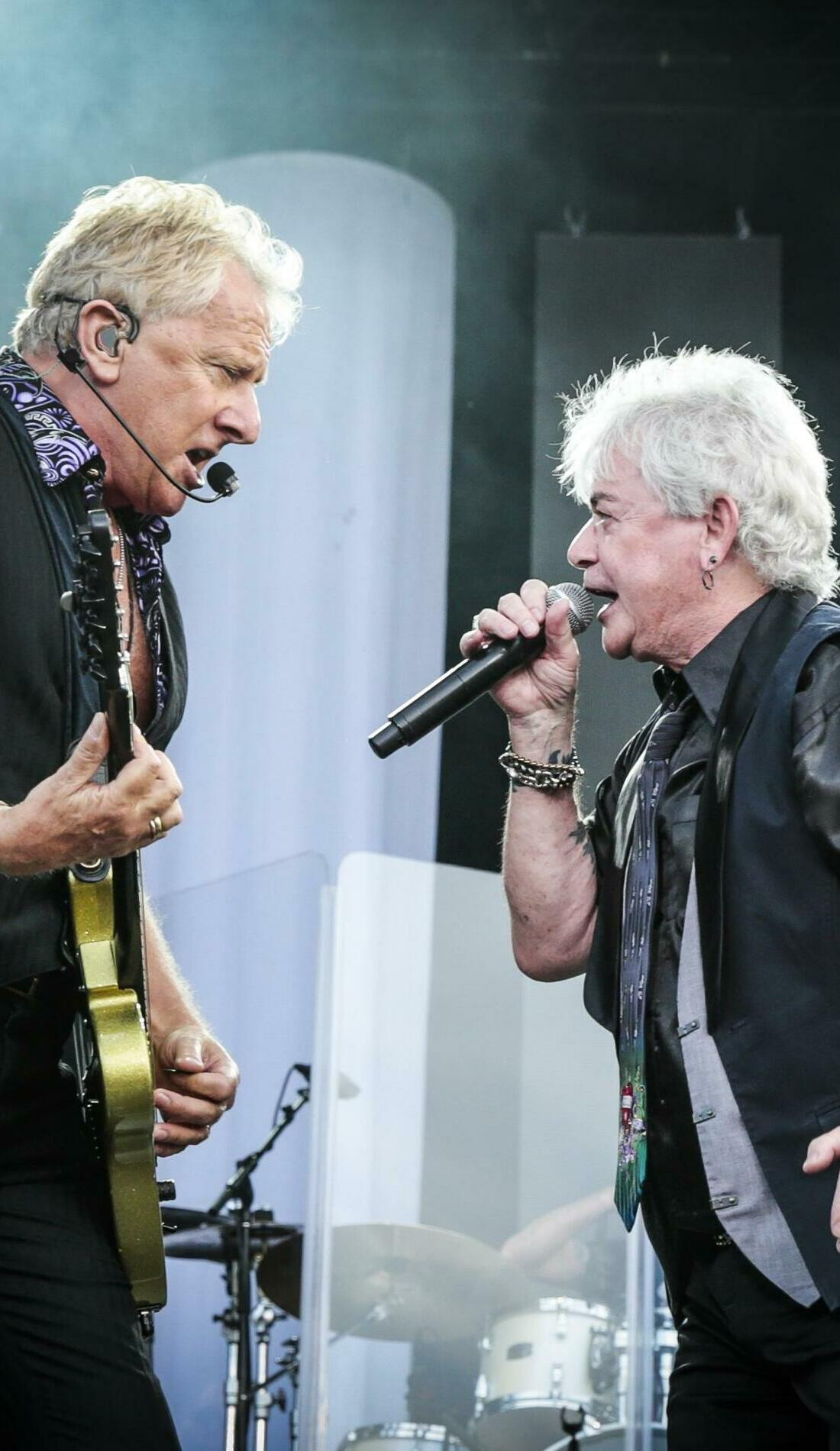 A Air Supply live event