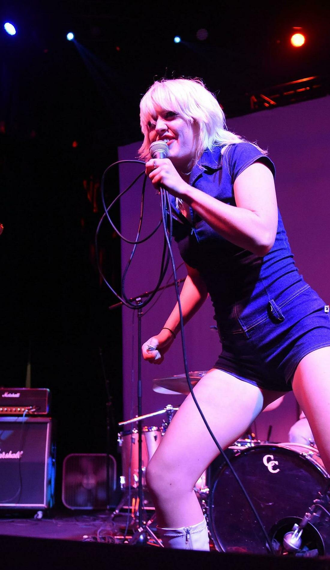 A Amyl and The Sniffers live event