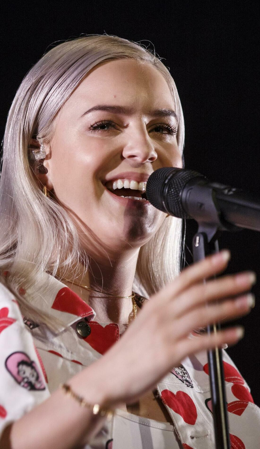 A Anne-Marie live event