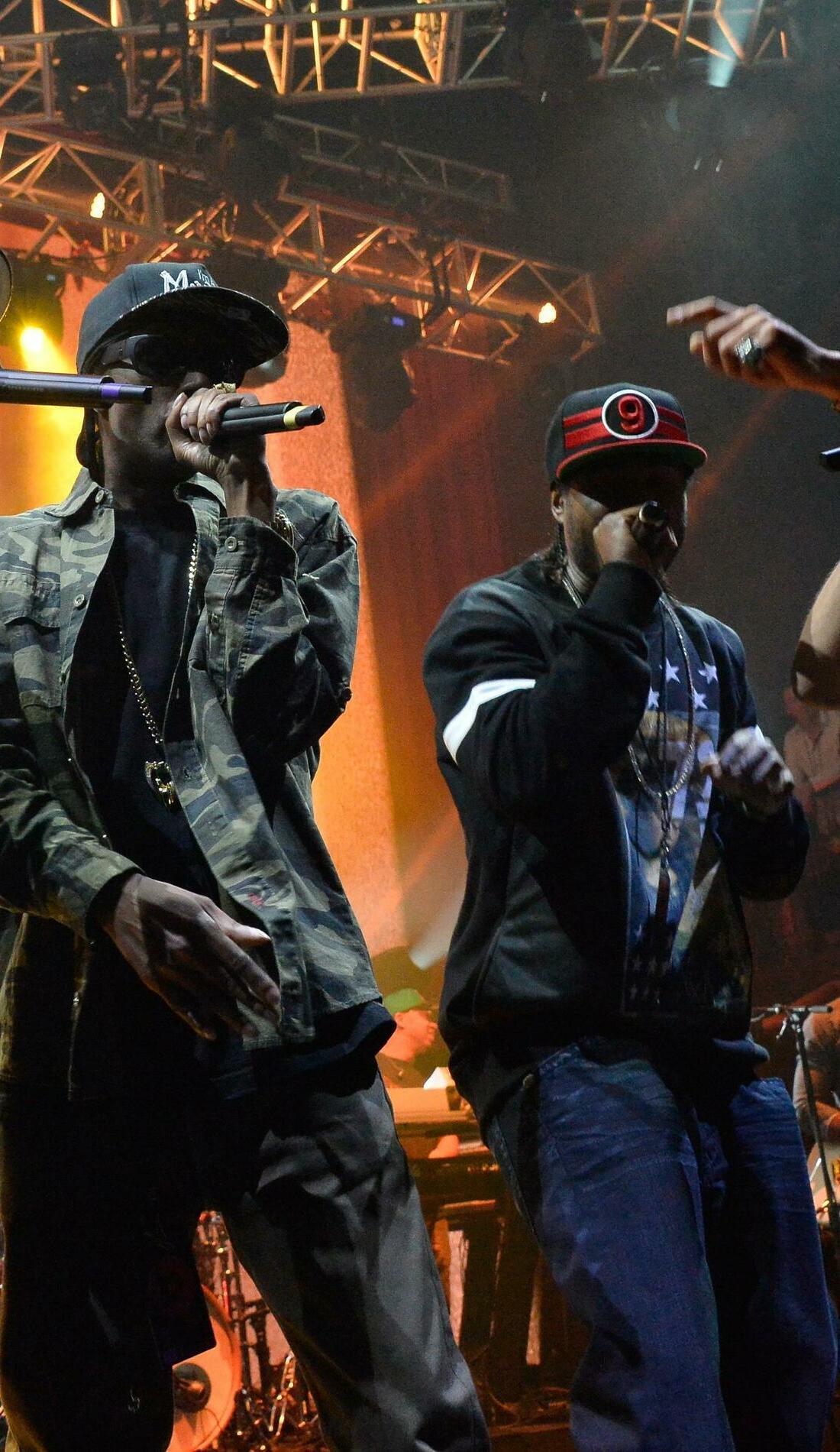 A Bone Thugs-N-Harmony live event