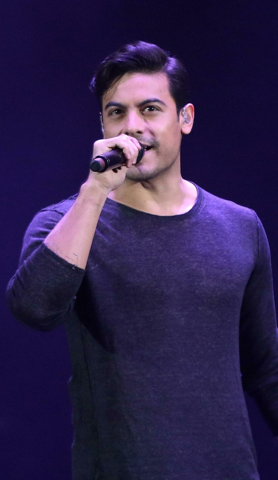 A Carlos Rivera live event