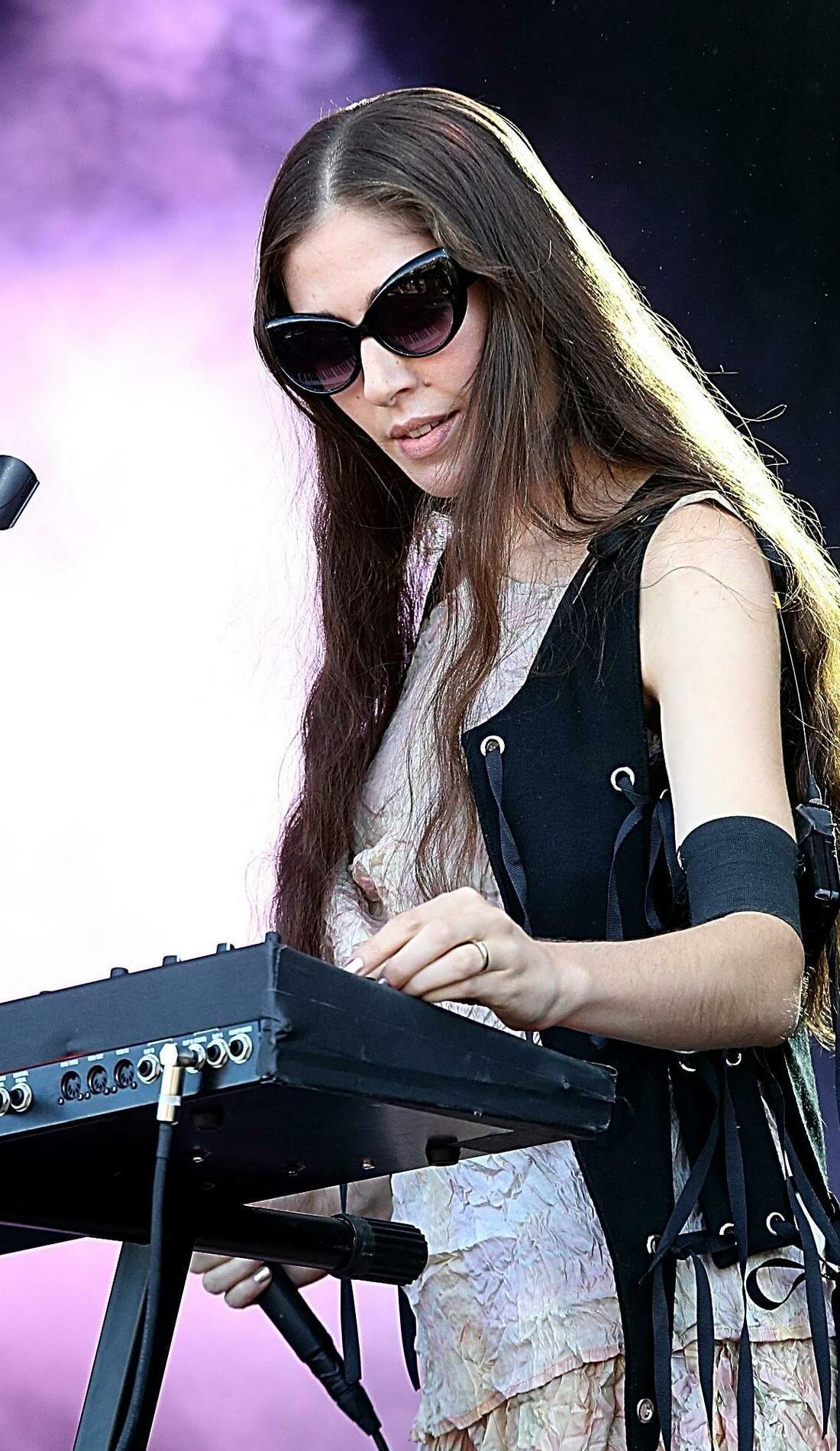 A Caroline Polachek live event