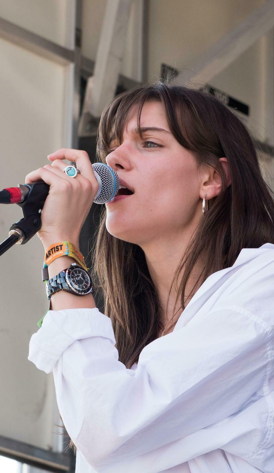 A Charlotte Cardin live event