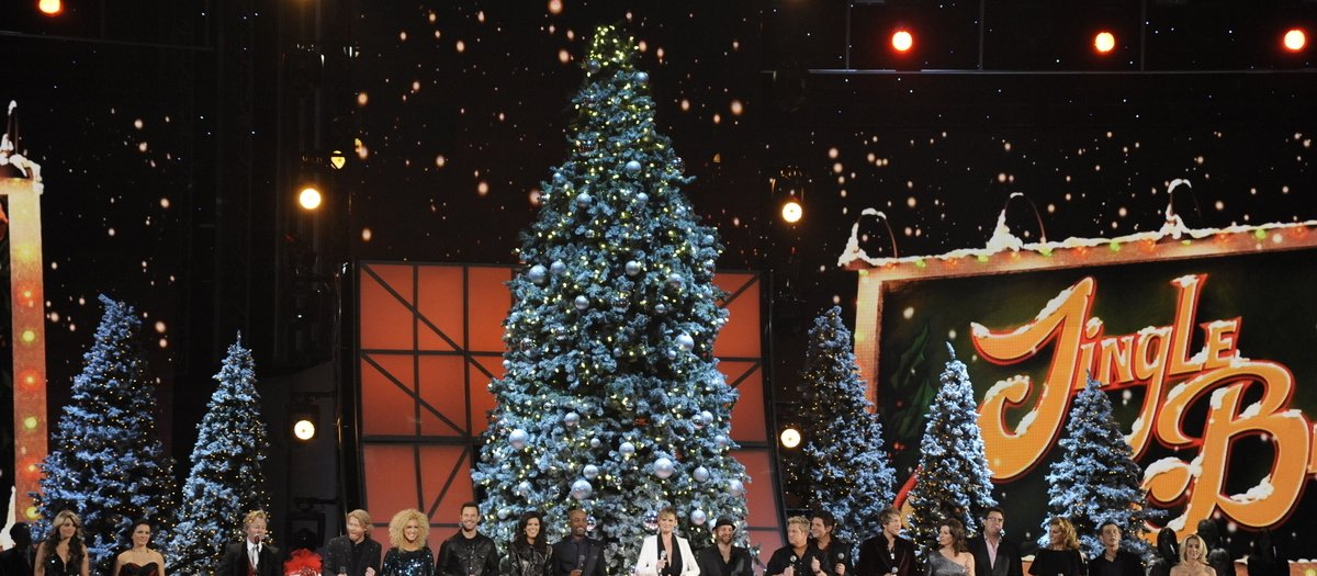 CMA Country Christmas Tickets