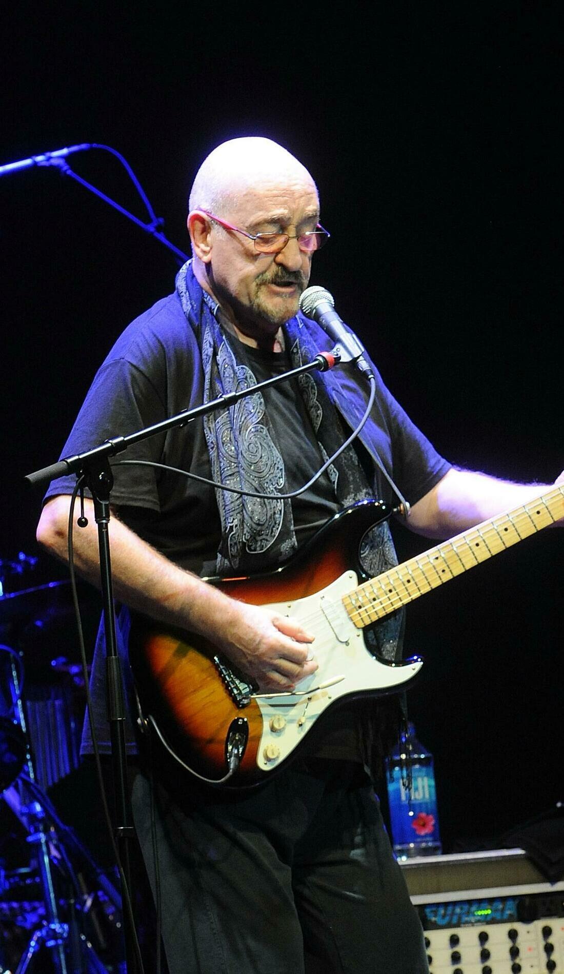 A Dave Mason live event