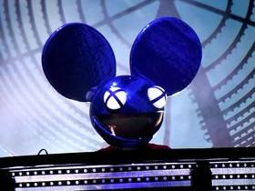 Deadmau5 with Cemetery Of Sound