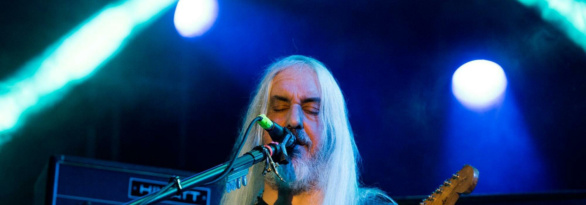 A Dinosaur Jr. live event
