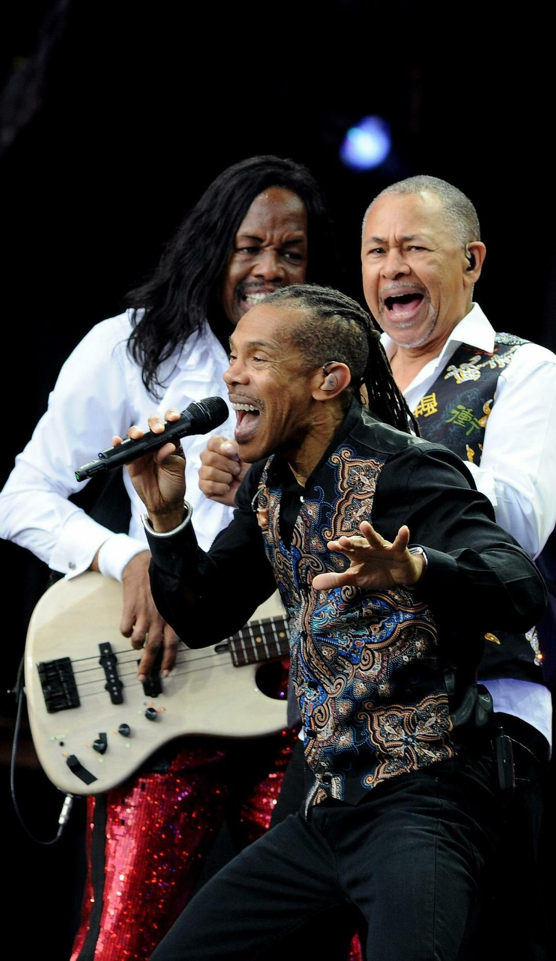 A Earth, Wind & Fire live event