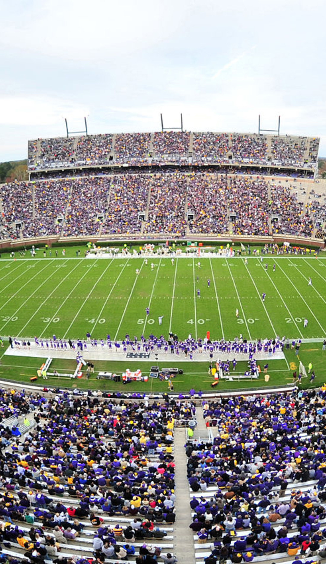 A East Carolina Pirates Football live event
