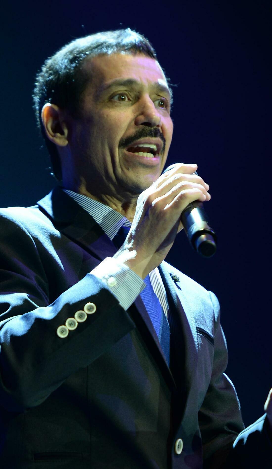 A Eddie Santiago live event