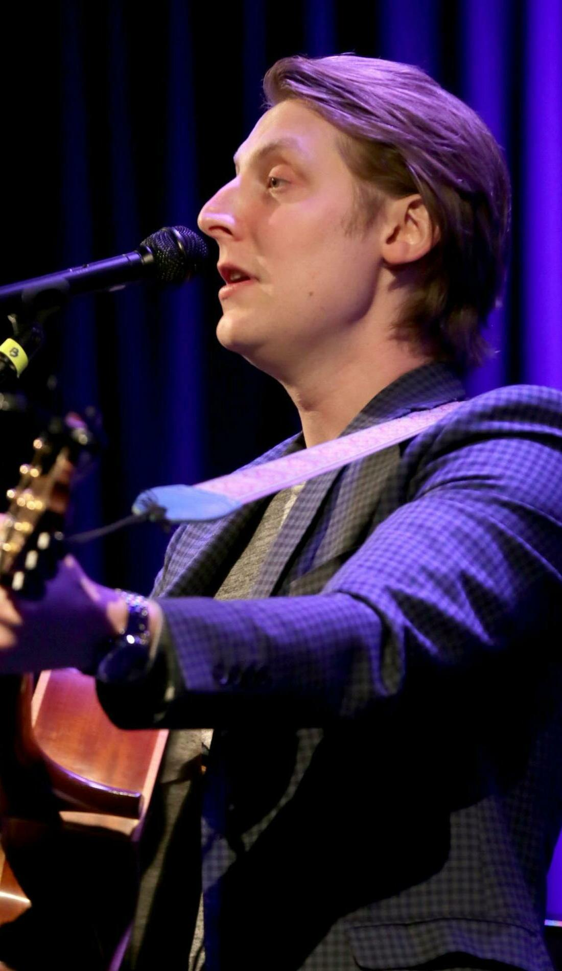 A Eric Hutchinson live event