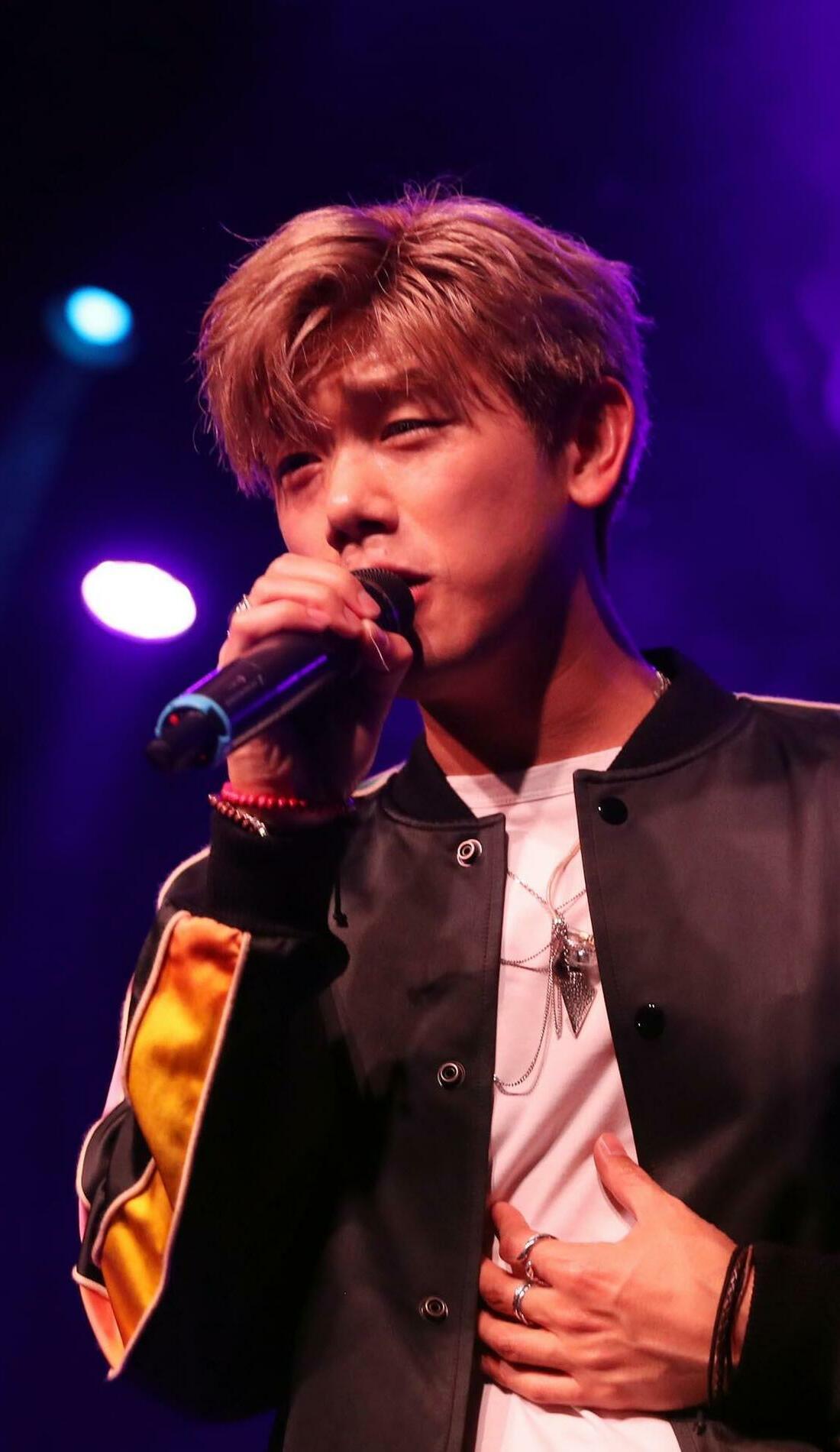 A Eric Nam live event