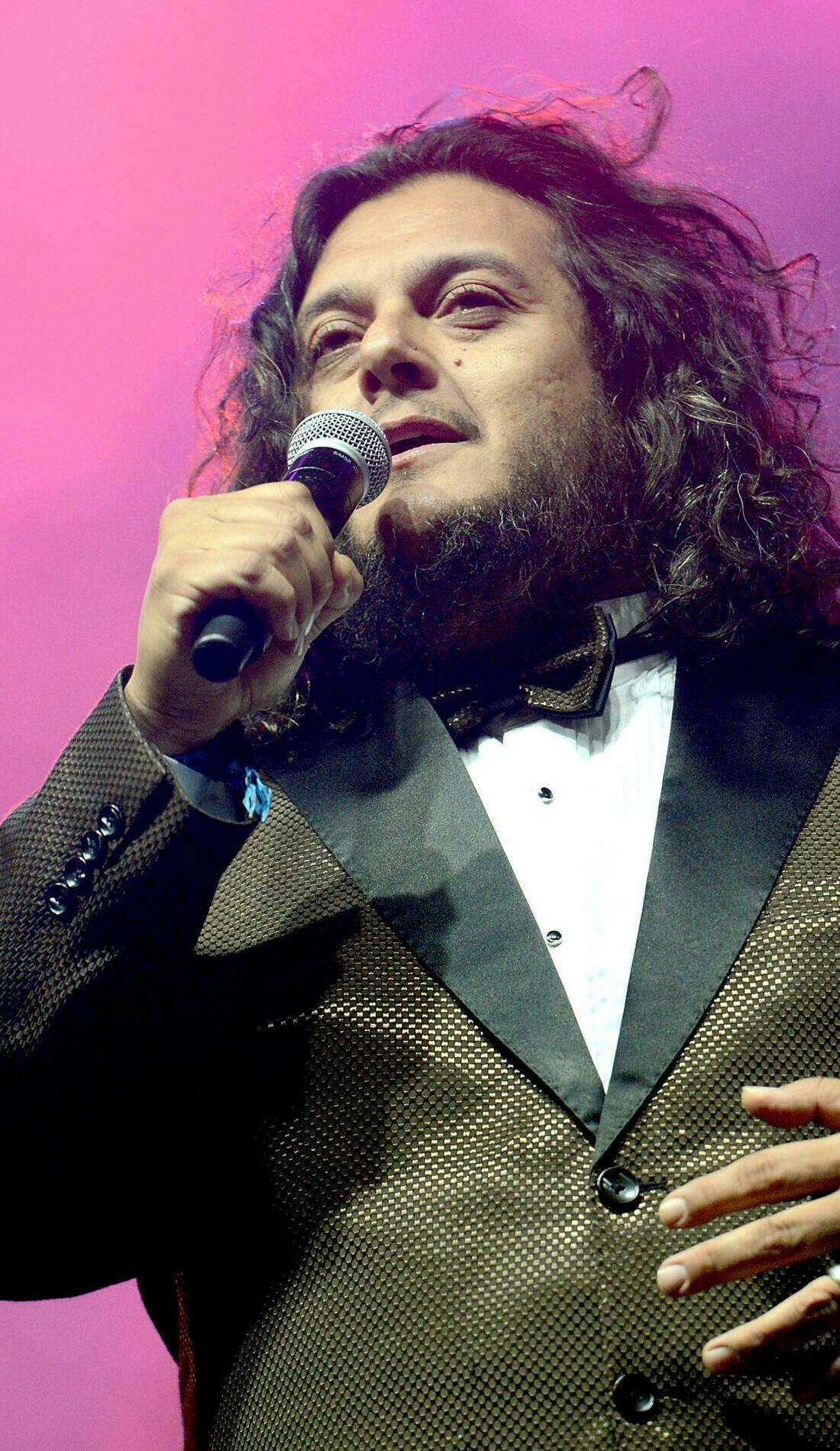 A Felipe Esparza live event