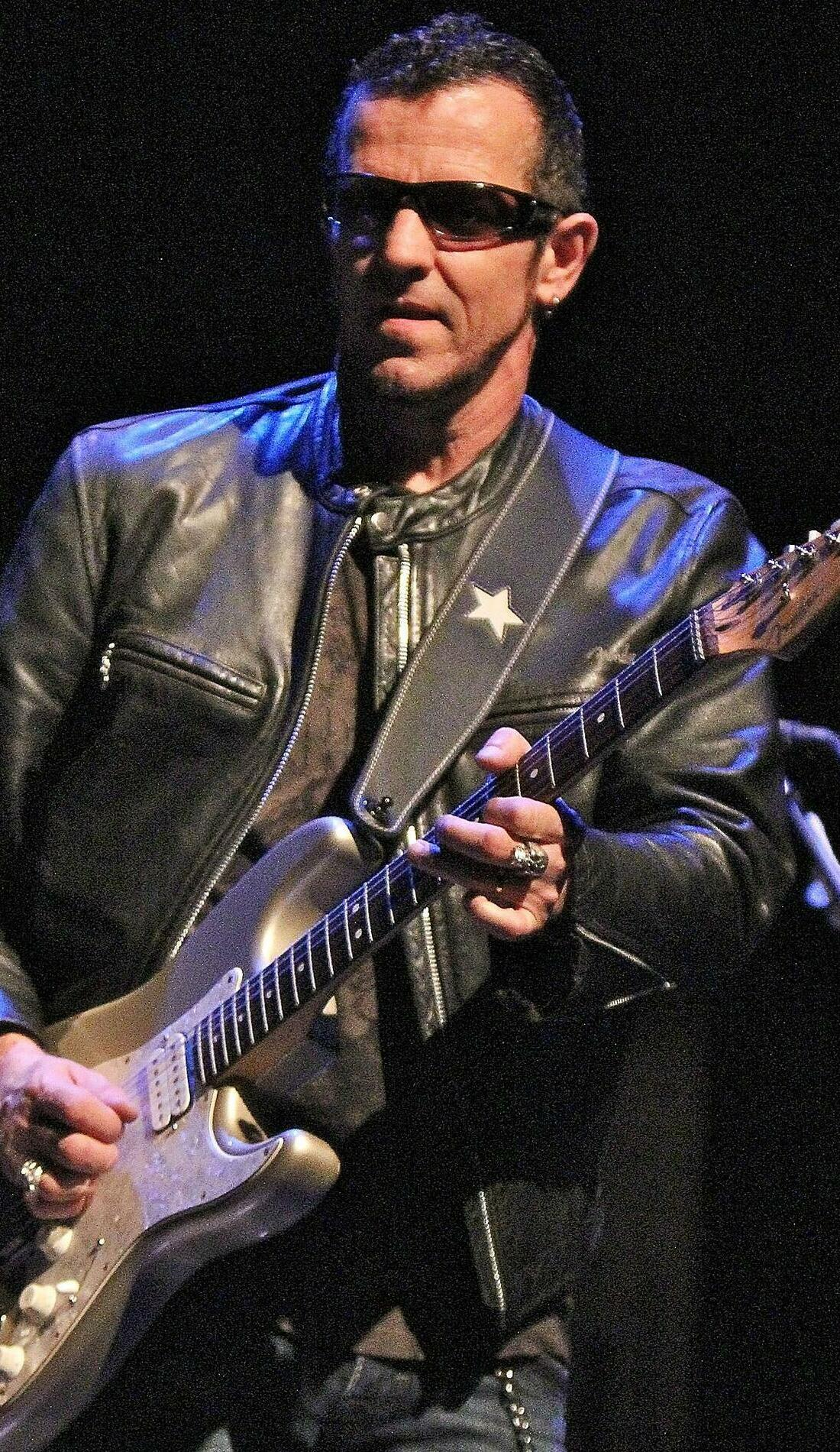 A Gary Hoey live event