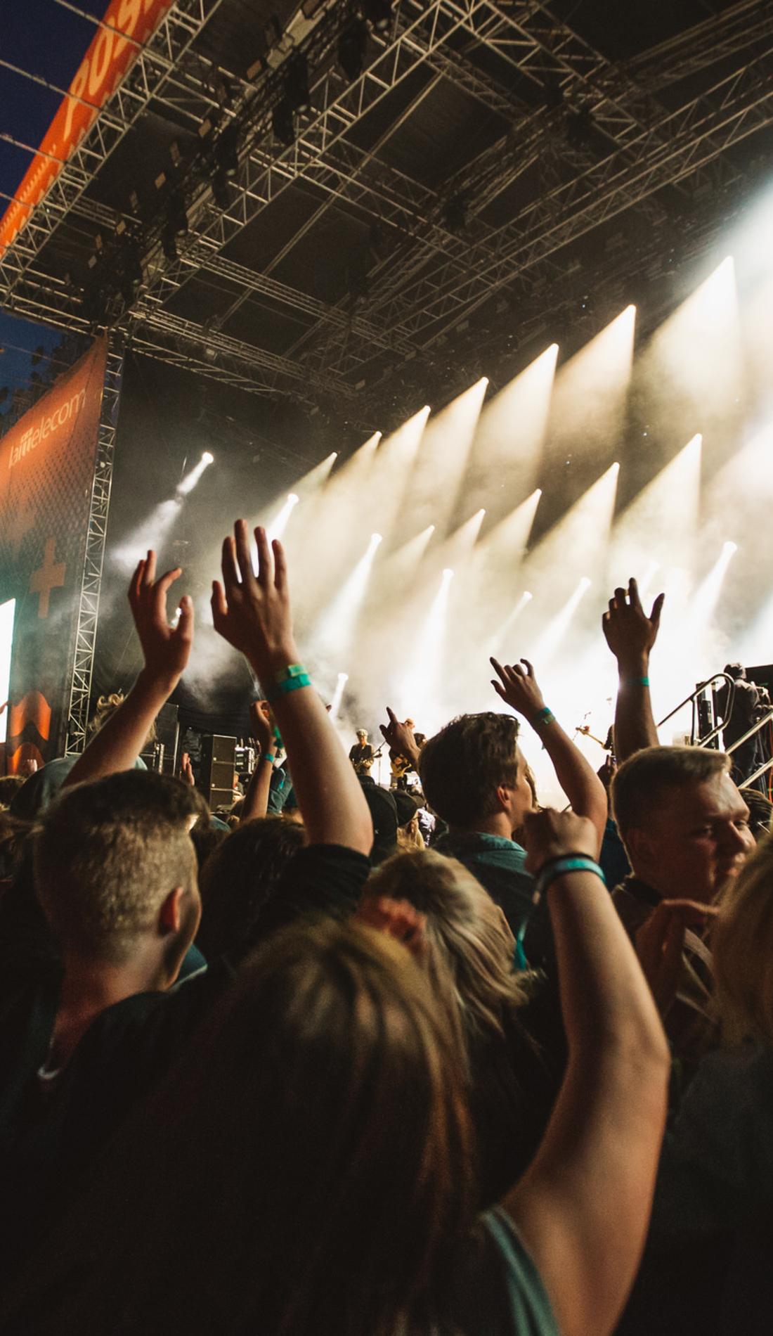 A Hangout Music Festival live event