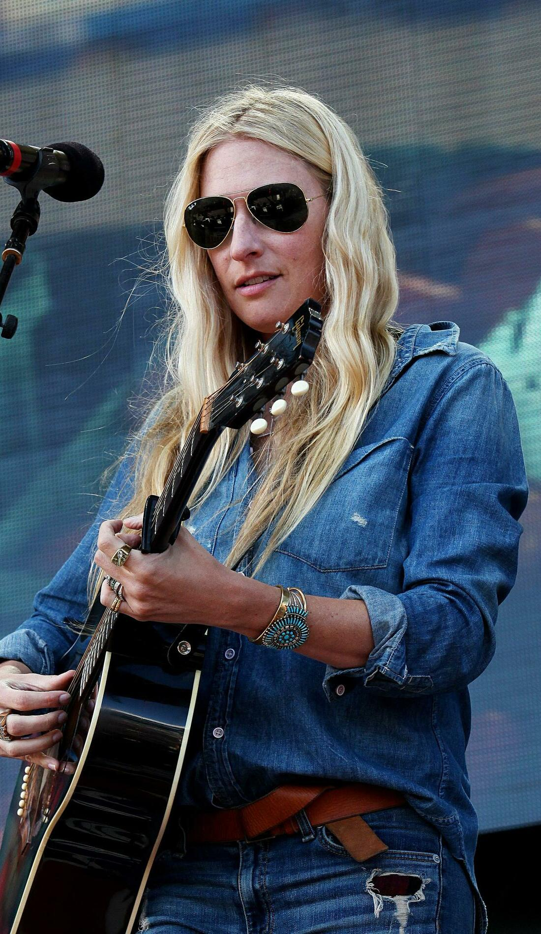 A Holly Williams live event