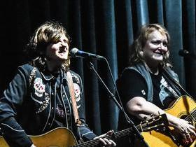 Advertisement - Tickets To Indigo Girls
