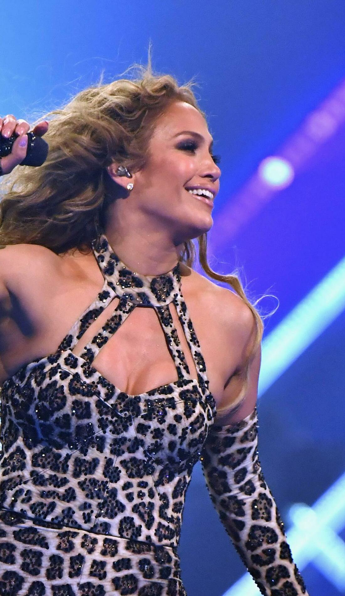 A Jennifer Lopez live event