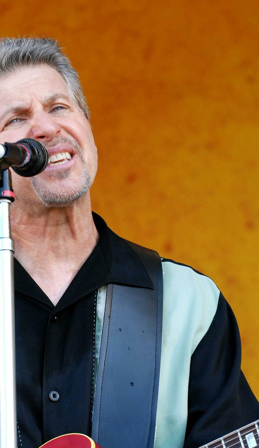 A Johnny Rivers live event