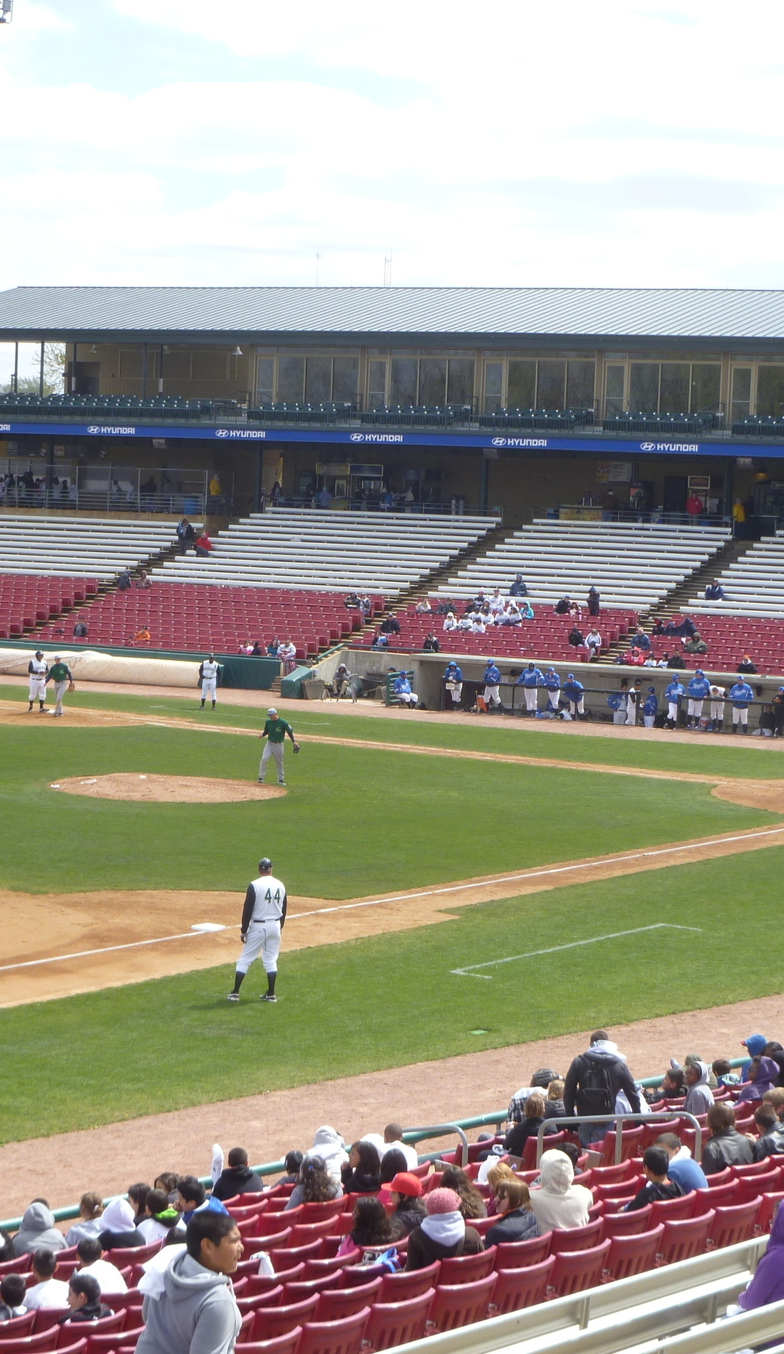 A Kane County Cougars live event
