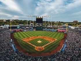 Detroit Tigers at Kansas City Royals at Kauffman Stadium in Kansas City, MO