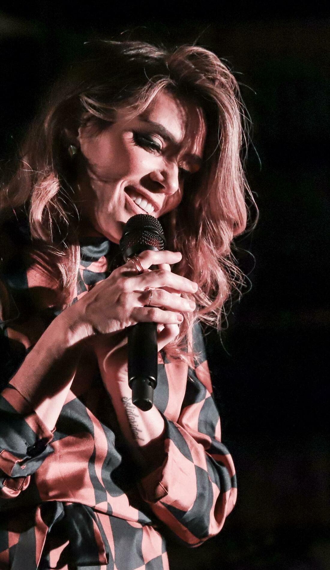 A Kany Garcia live event