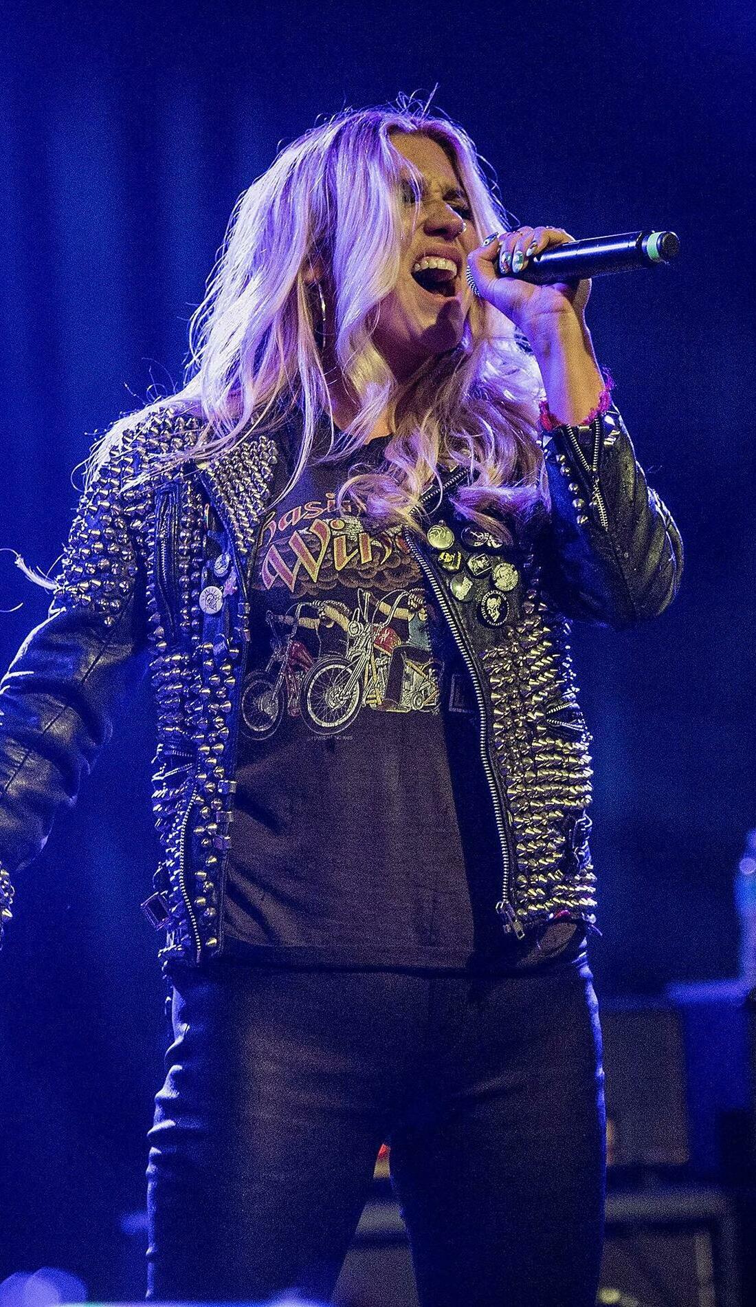 A Kesha live event