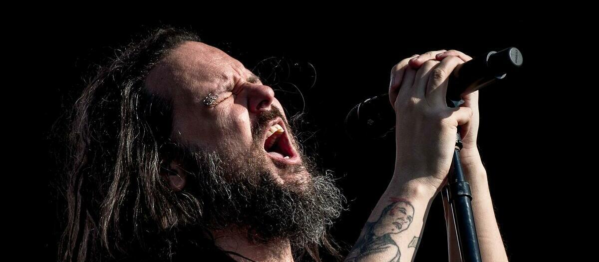 Korn with Breaking Benjamin