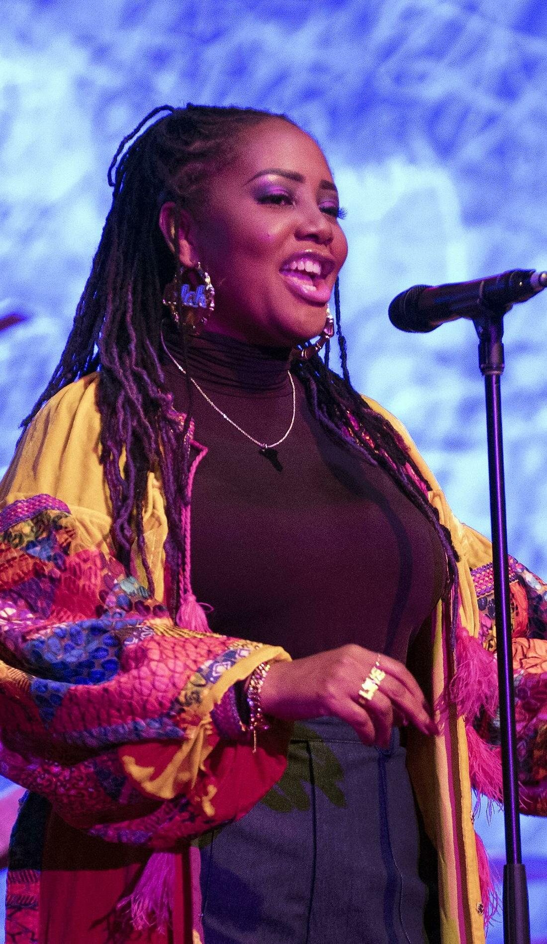 A Lalah Hathaway live event