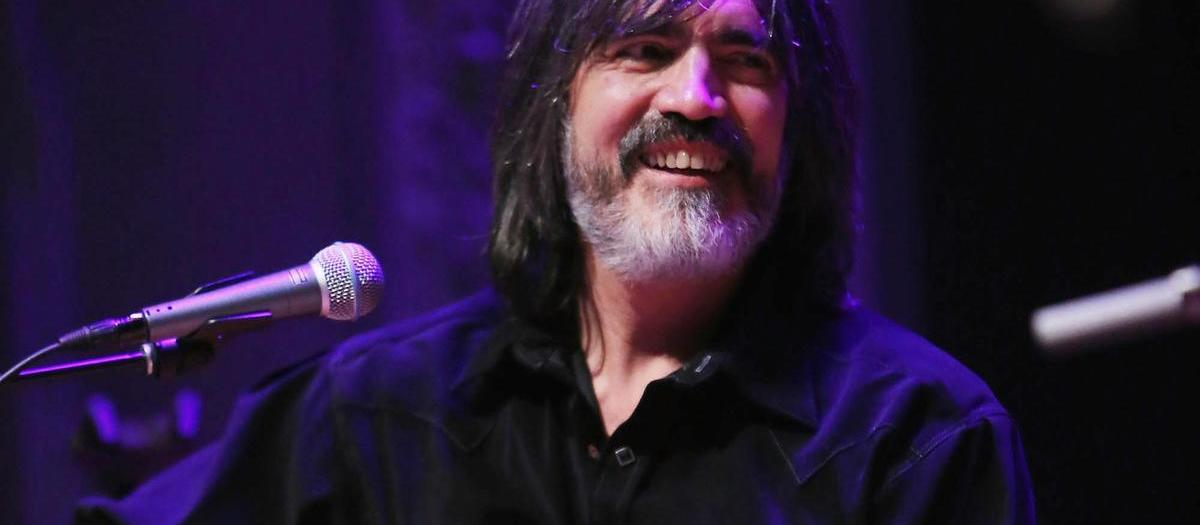 Larry Campbell with Teresa Williams (18+)