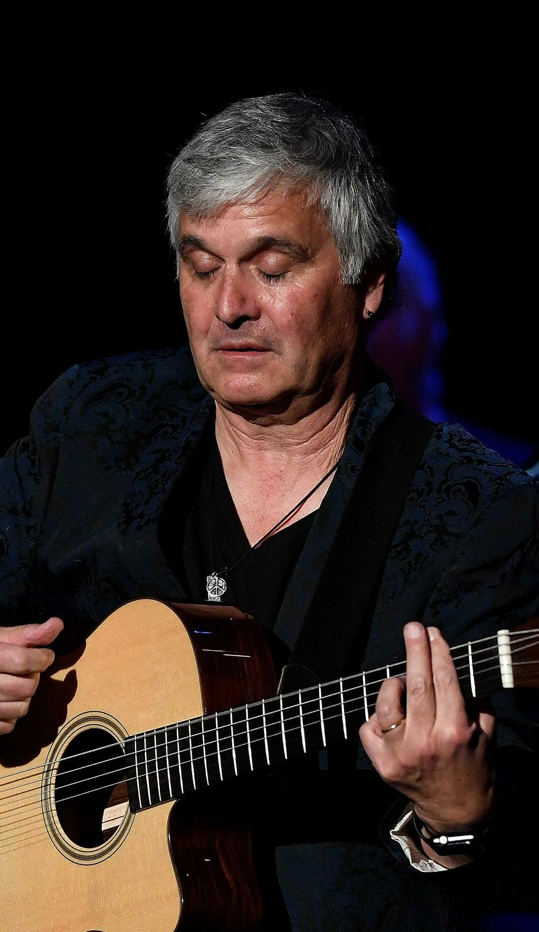 A Laurence Juber live event
