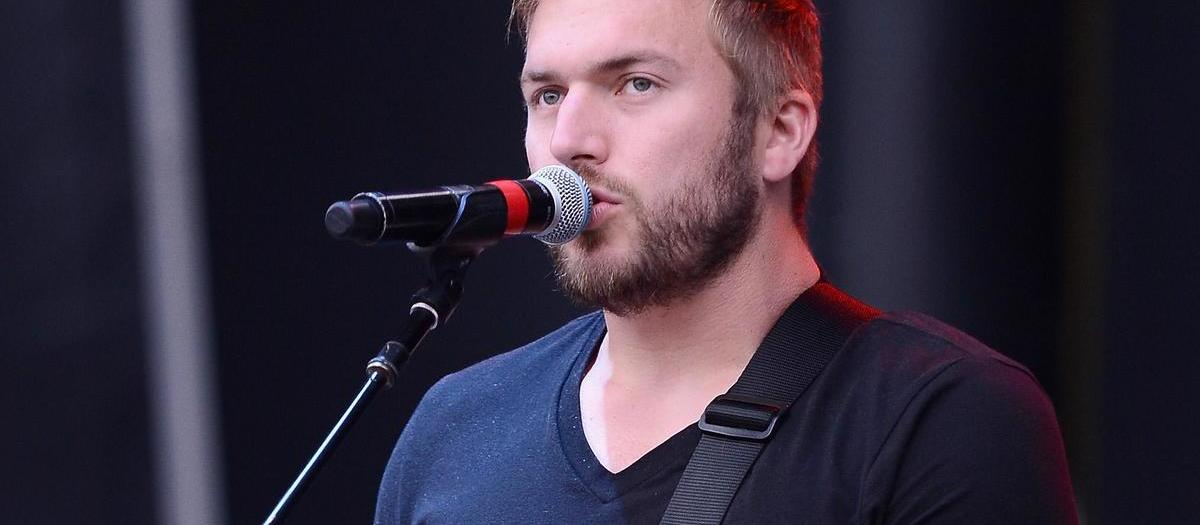 Logan Mize with Casey Donahew Band