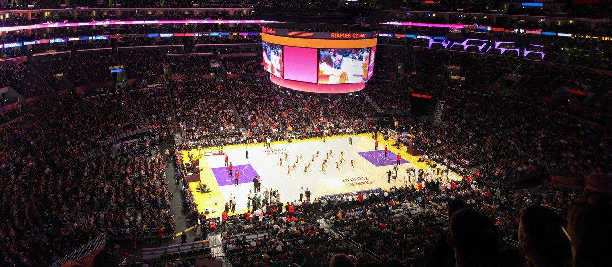 hot sale online 1dfbe 27c2d Los Angeles Lakers Tickets | SeatGeek