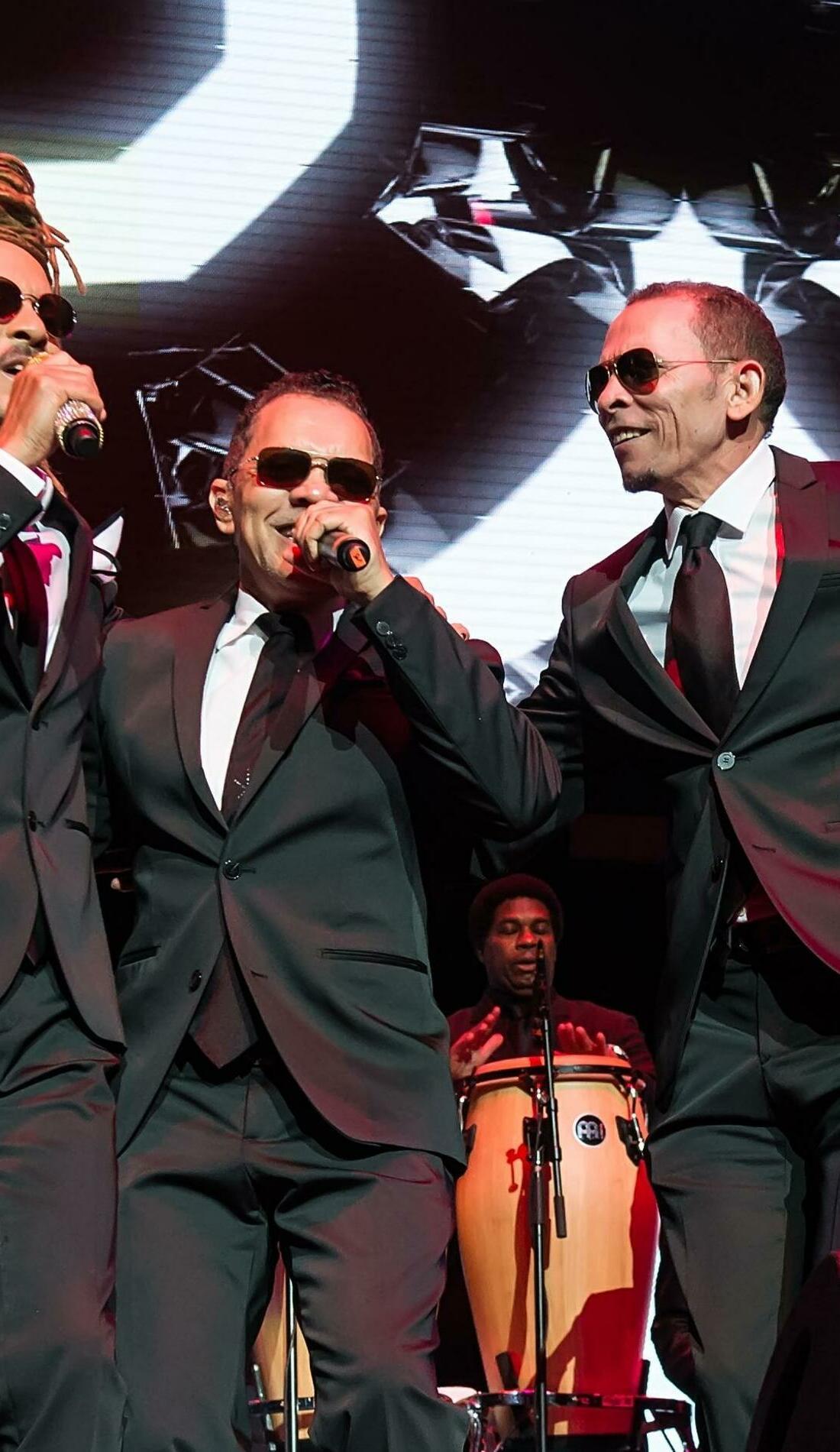 A Los Hermanos Rosario live event