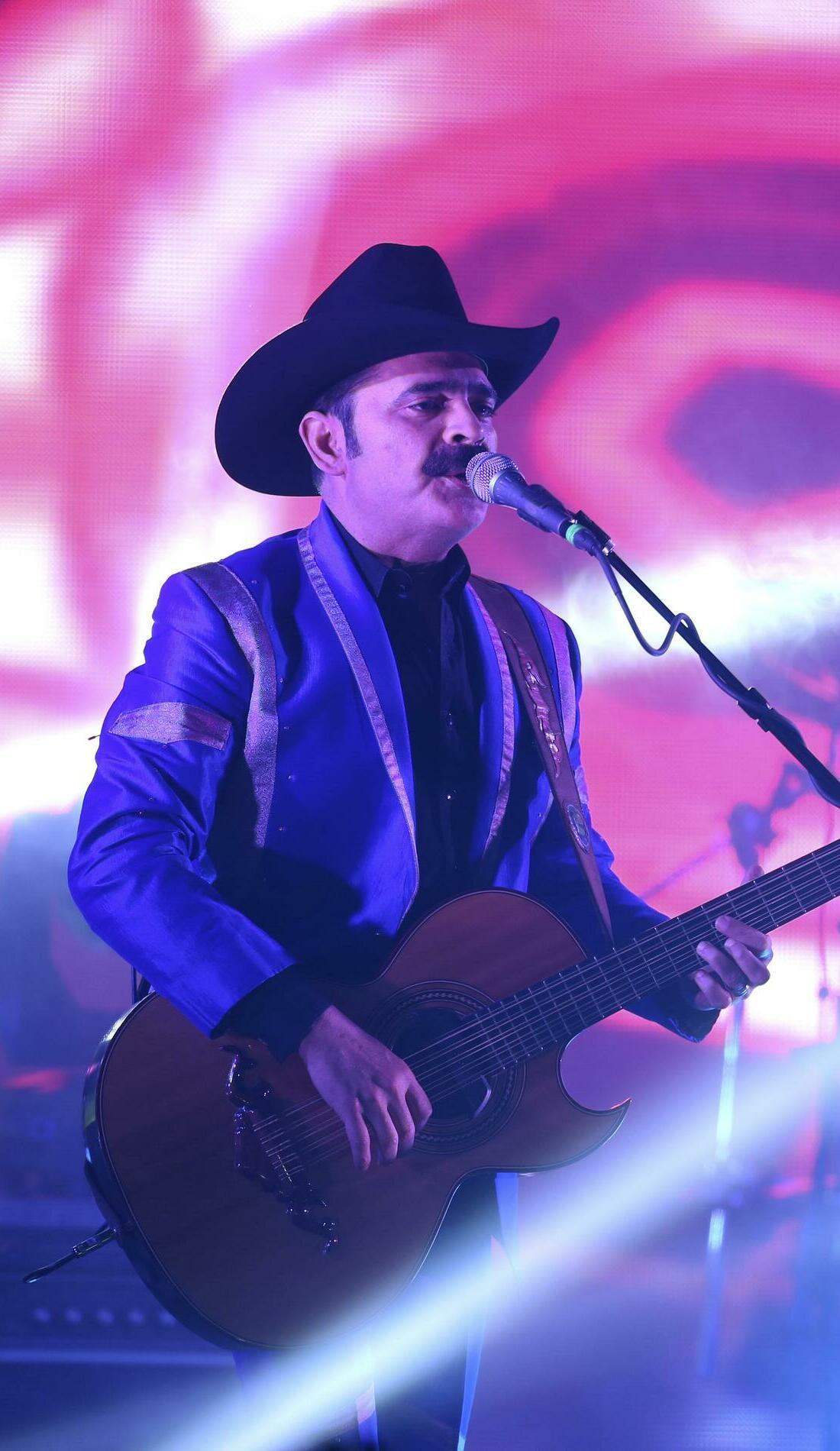 A Los Tucanes De Tijuana live event