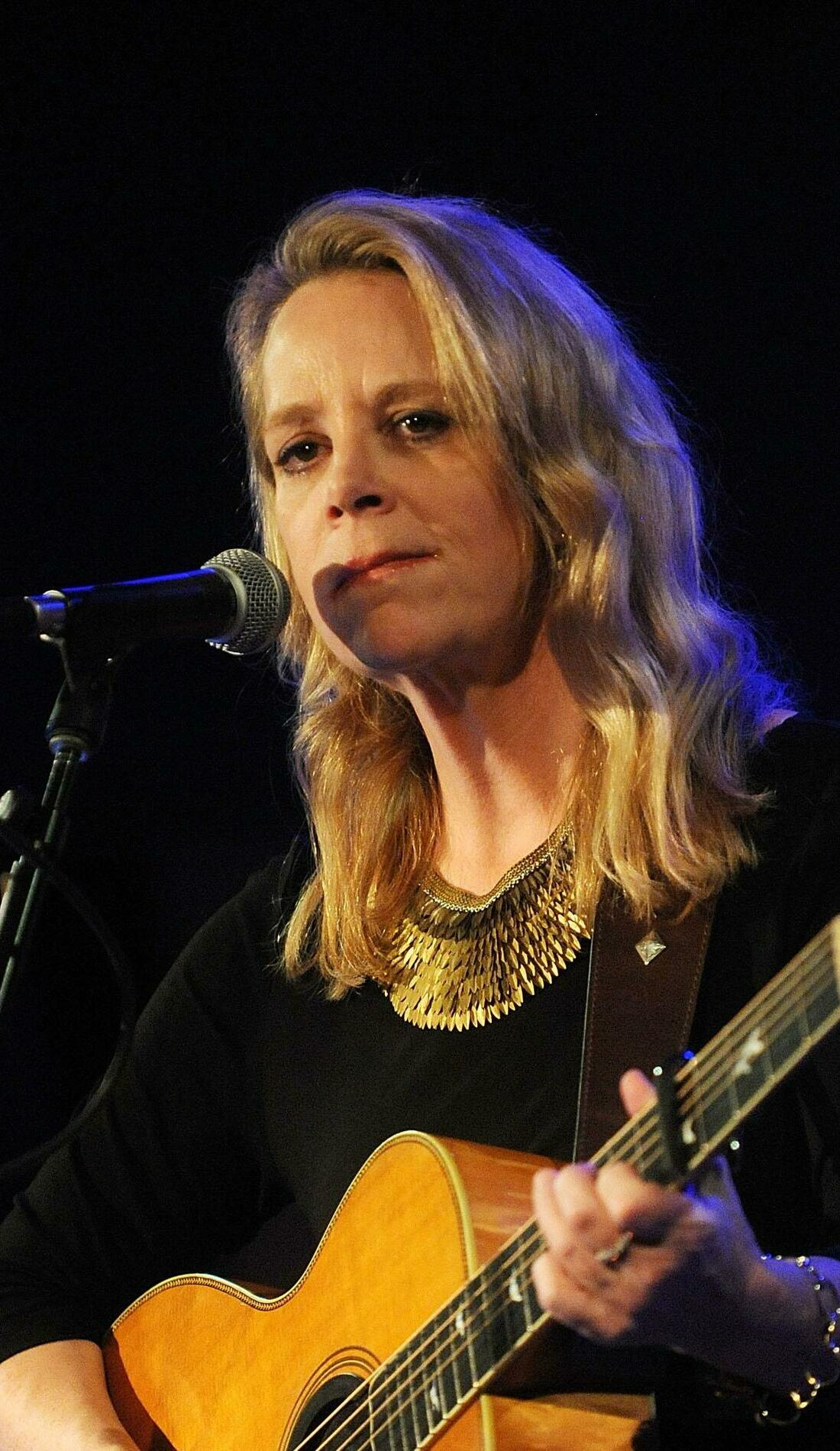 A Mary Chapin Carpenter live event