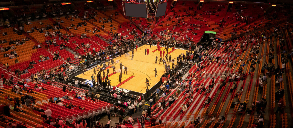 b69a9c9a5 Los Angeles Lakers Tickets