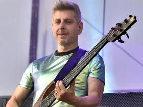 Mike Gordon (16+)