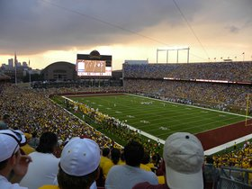 Northwestern Wildcats at Minnesota Golden Gophers Football
