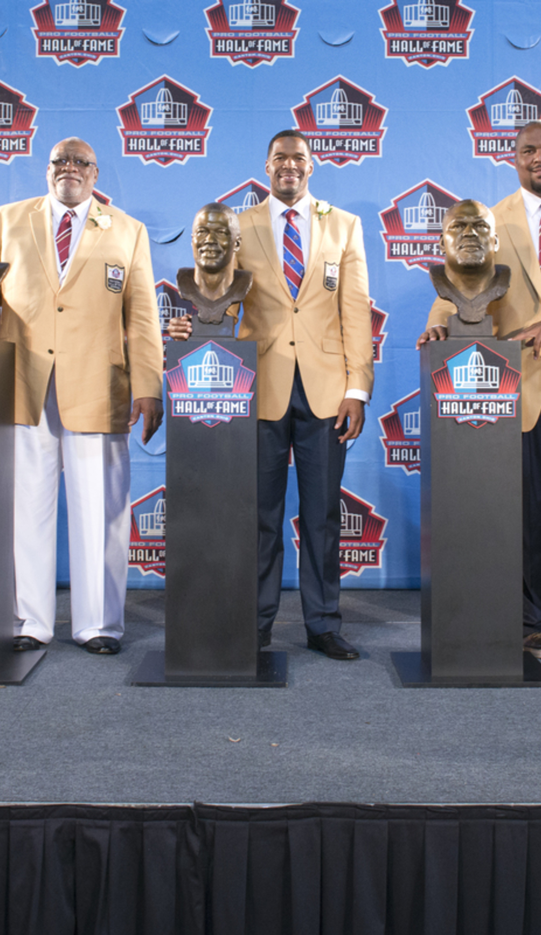 A NFL Hall of Fame Weekend live event