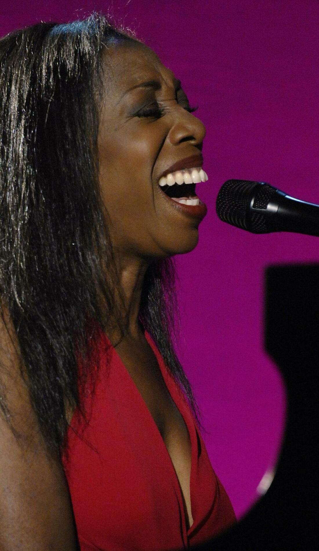 A Oleta Adams live event