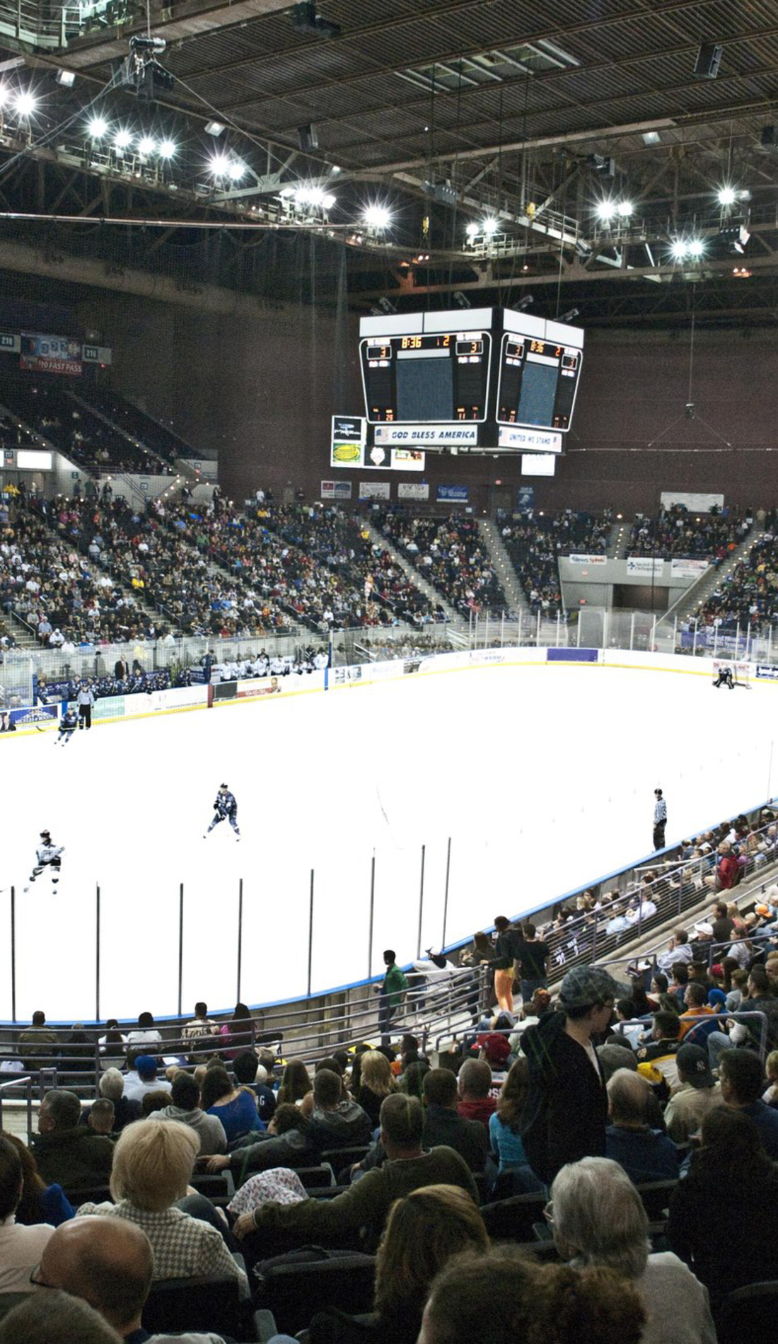 A Pensacola Ice Flyers live event