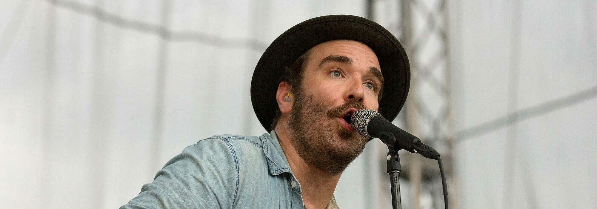 A Red Wanting Blue live event