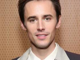 Advertisement - Tickets To Reeve Carney