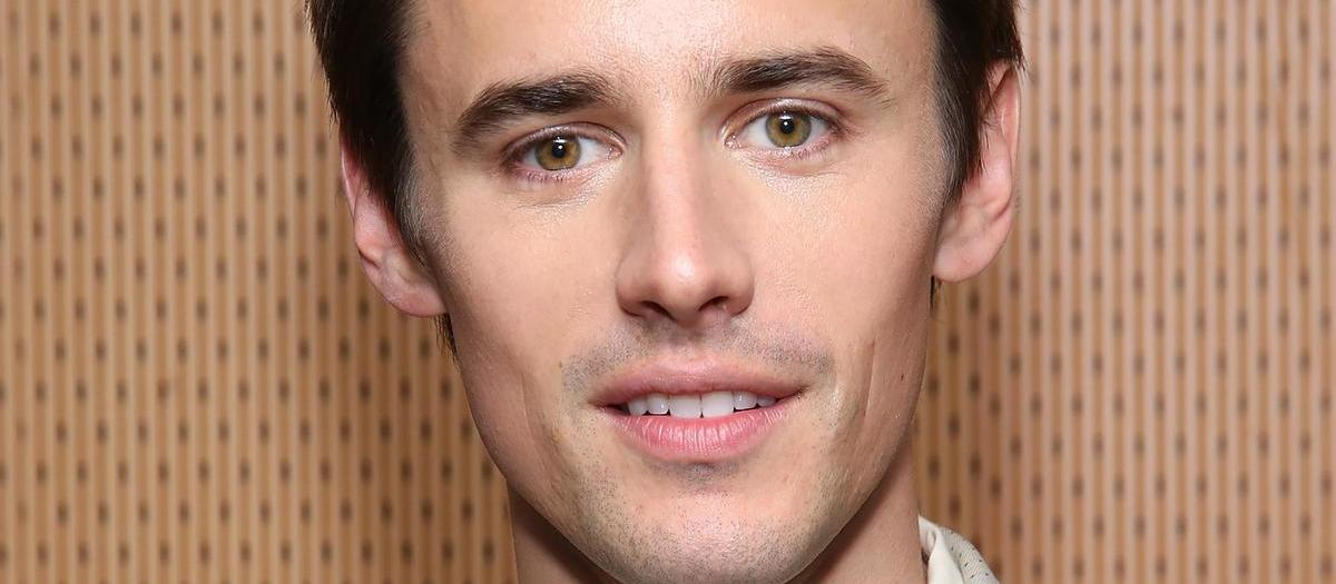 Reeve Carney Tickets