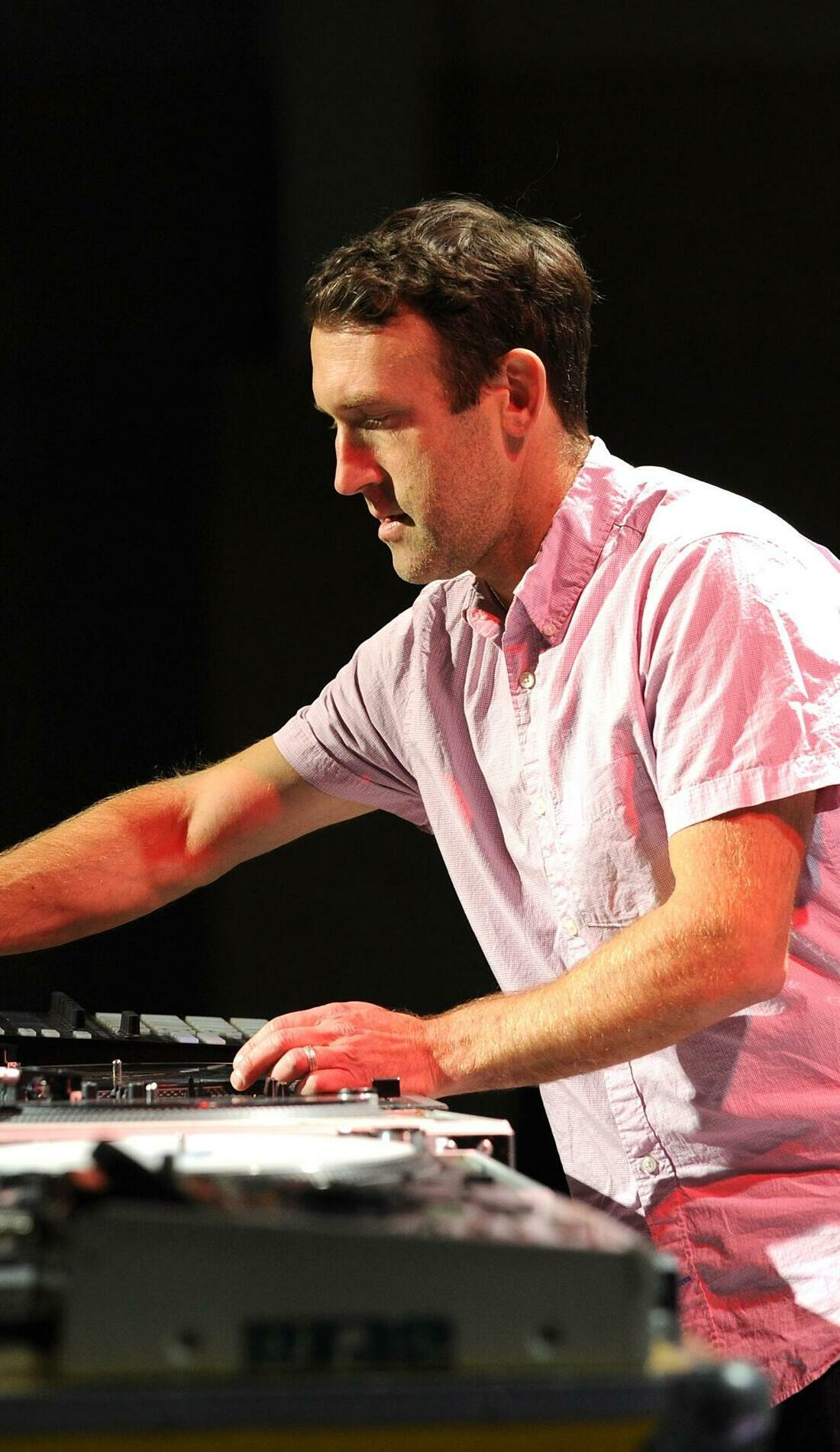 A RJD2 live event