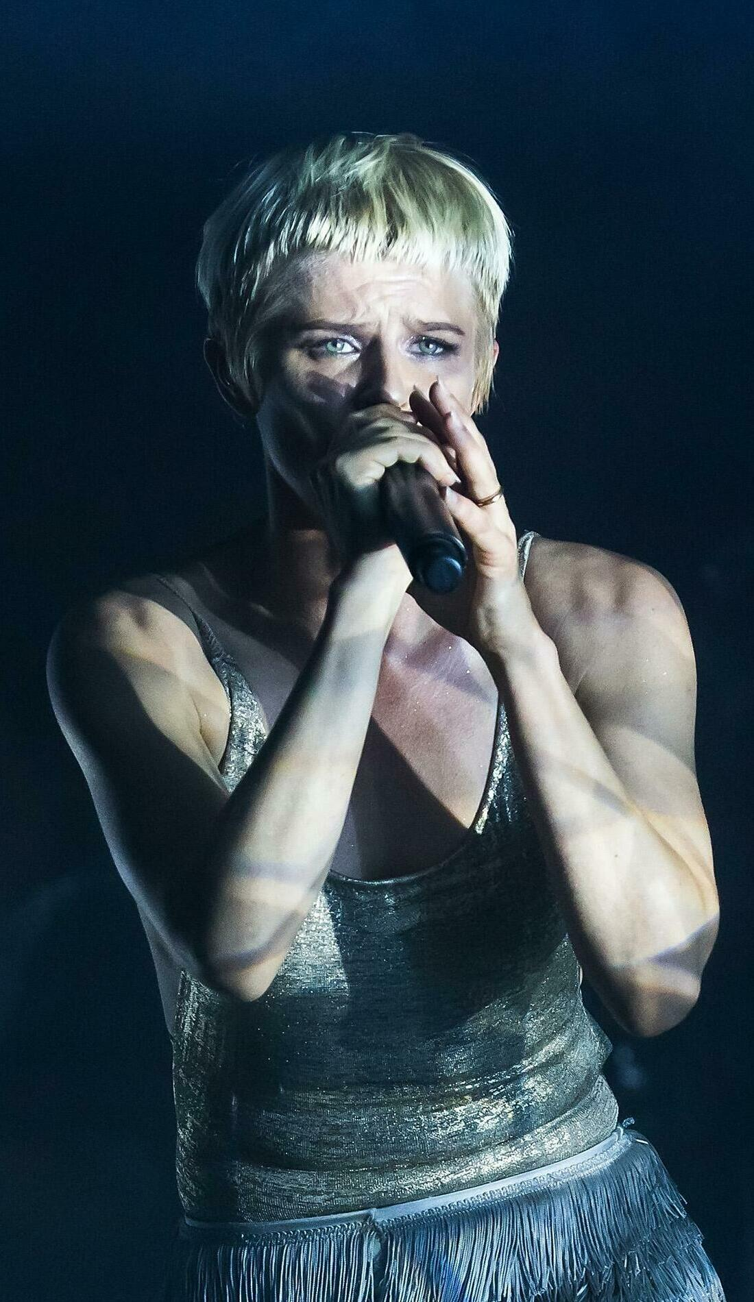 A Robyn live event