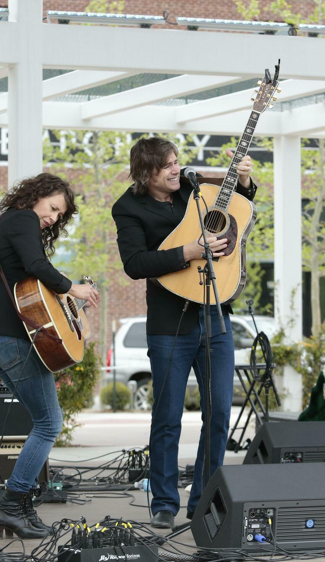 A Sarah Lee Guthrie & Johnny Irion live event