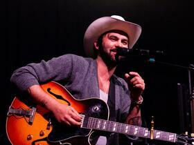 Advertisement - Tickets To Shakey Graves